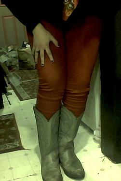 red pants V