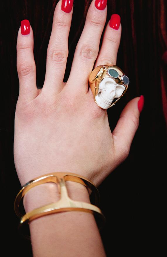 gold skull karla's closet