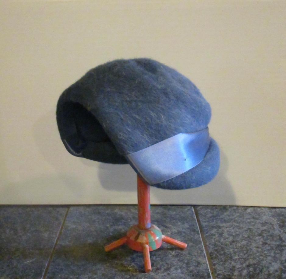 blue hat I