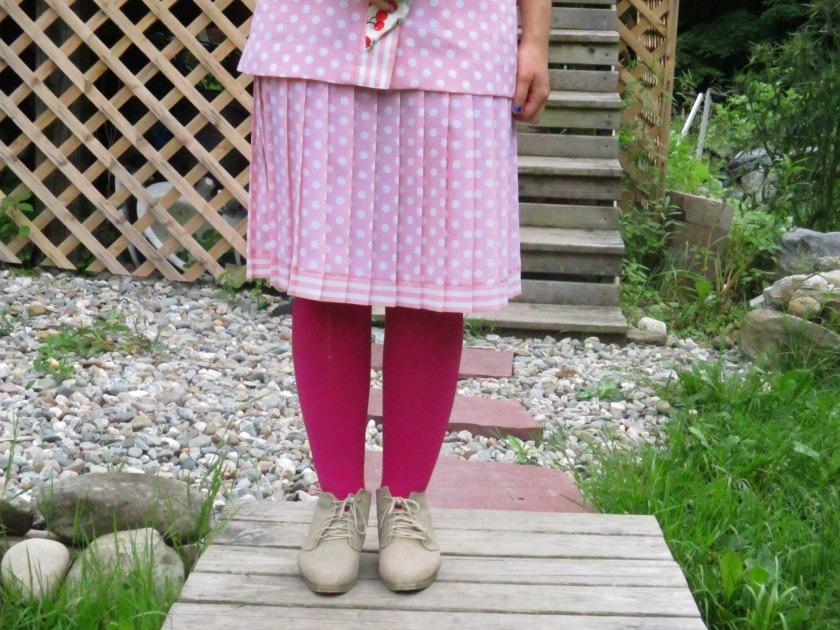pink suit V